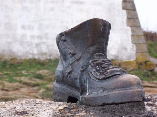 Pilgrim's_Boot_-_Finisterre_-_Galicia